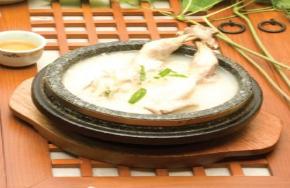 石锅参鸡汤 图片3